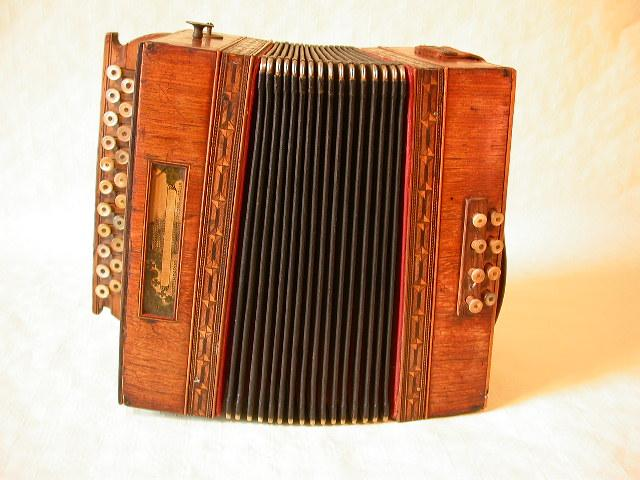 DIATONIC ACCORDION BY PAOLO SOPRANI, More Informations...