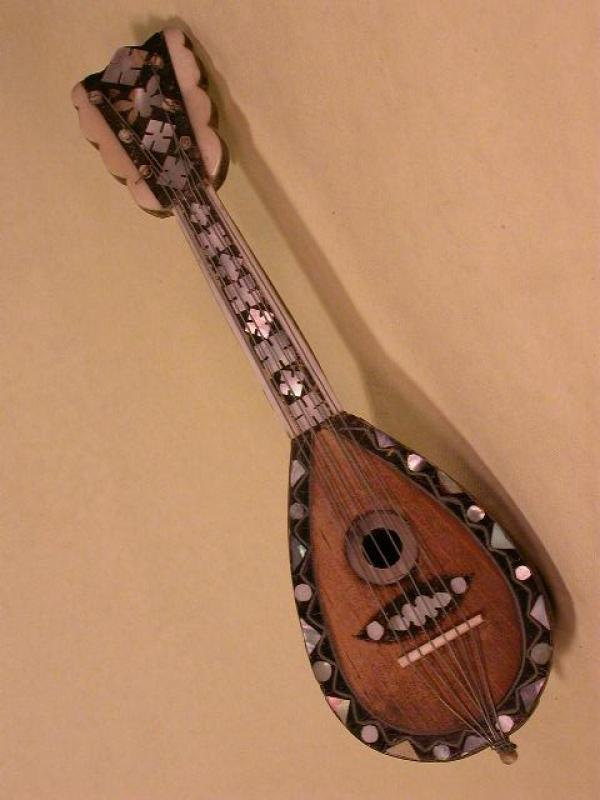 MINIATURE MANDOLA, More Informations...