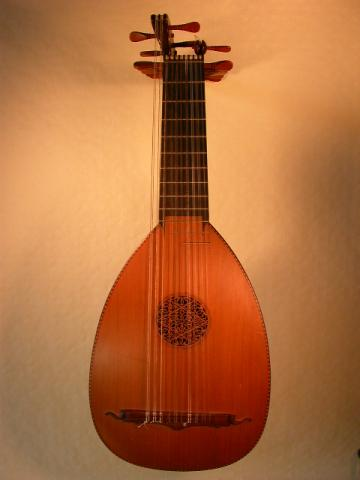 THEOROED LUTE BY CESAR VERA MADRID, More Informations...