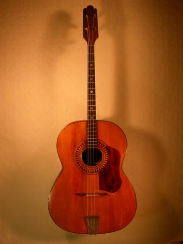 TENOR GUITAR BY VINCENT CLAVERO, More Informations...