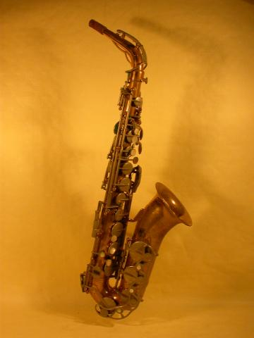 SAXOPHONE  ALTO BY  COUESNON, More Informations...